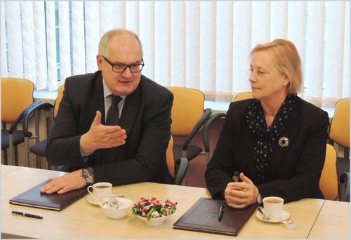Departamentas plečia bendradarbiavimą su universitetais