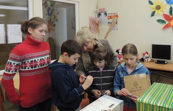Departamento darbuotojai lankėsi vaikų globos namuose